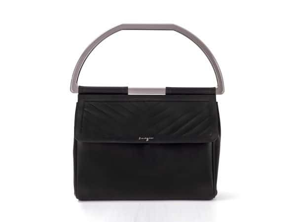 Viva handbag with acrylic handle